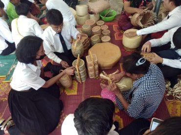 KKU Culture Center fires students up for creativity of Isan culture