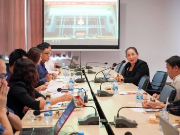 KKU hosts a meeting seeking ways to create websites for campus image promotion